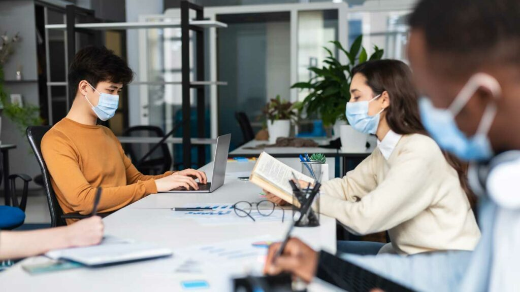 Benefits of Coworking Spaces: 10 Reasons Why You Should Make The Switch Today